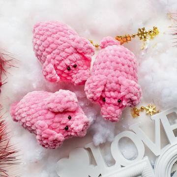 Вязаные свинки игрушки