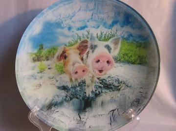 Декоративные тарелки со свинками