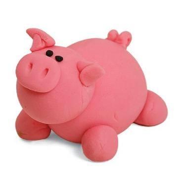 Как слепить из пластилина свинку: обычную или сказочную